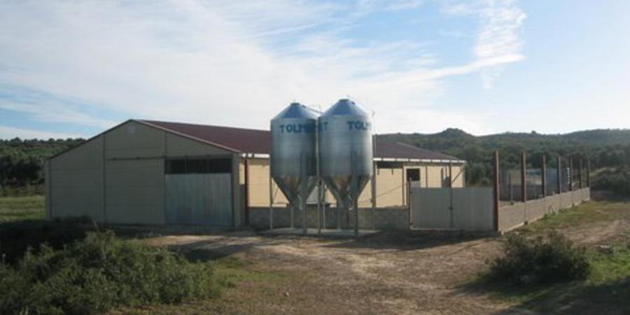 hangar-beton-construction-prefabrique-beton2-panneauxalveolaires