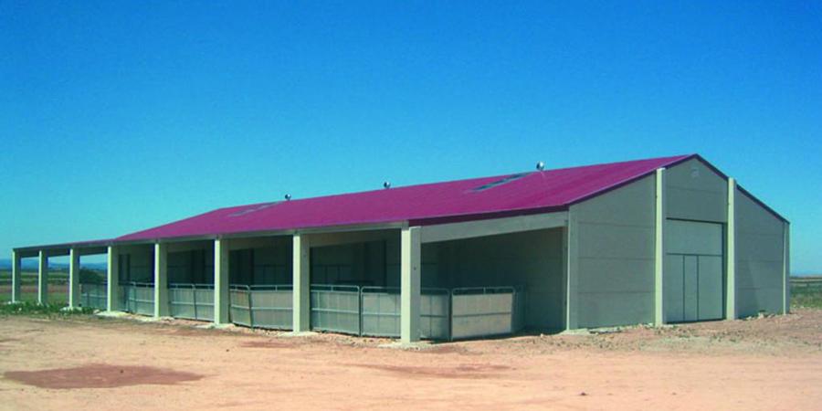 hangar-beton-construction-prefabrique-beton3-panneauxalveolaires
